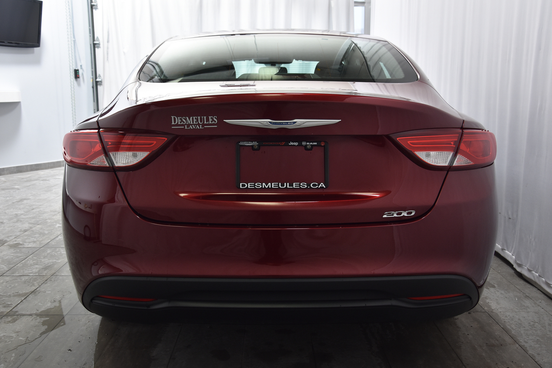 2016 Chrysler 200  - Desmeules Chrysler
