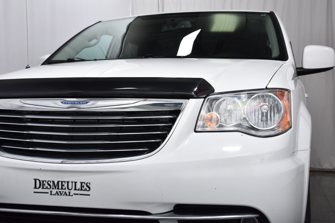 2016 Chrysler Town & Country  - Desmeules Chrysler